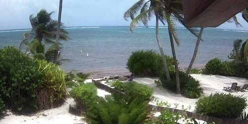 Coastal Breezes Beach House & Casitas -  live webcam , Belize District San Pedro