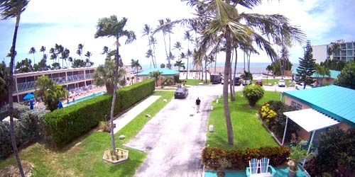 The territory of the hotel Breezy Palm resort Islamorada -  live webcam , Florida Miami