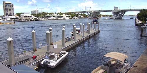 Water Taxi Stop, Seventeenth Street Causeway Bridge -  live webcam , Florida Fort Lauderdale