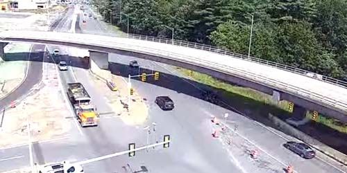 Bridge and car interchange at Mall Rd -  live webcam , New Hampshire Salem