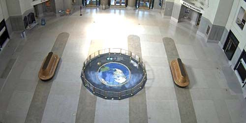 Foucault Pendulum at the University -  live webcam , Virginia Richmond