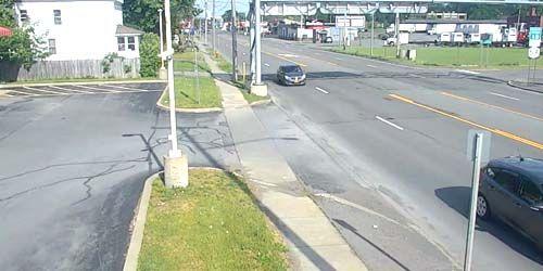 Oriskany Blvd, gas station -  live webcam , New York Utica