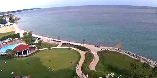 Playa en Inn at Bay Harbor, Little Traverse Bay -  Webcam , Michigan Petoskey