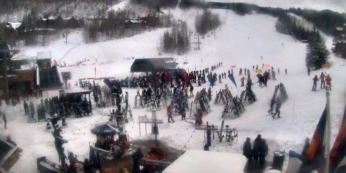 Lower glade, queue for the lift -  live webcam , Colorado Telluride