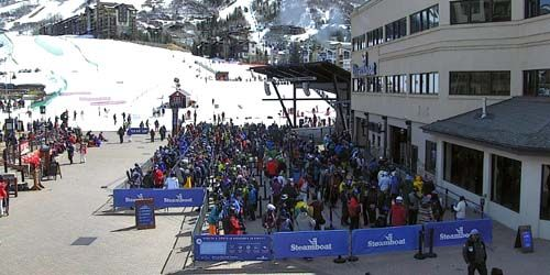 Queue for the ski lift -  live webcam , Colorado Steamboat Springs