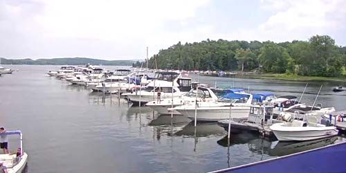 Yacht Wharf at Mallets Bay -  live webcam , Vermont Burlington