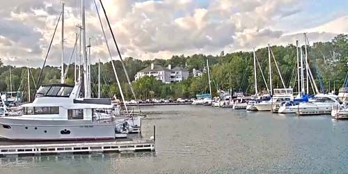 PTZ camera in the marina -  live webcam , Wisconsin Ashland