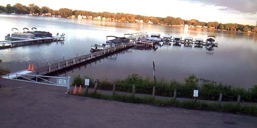 Boat Pier on Medicine Lake -  live webcam , Minnesota Minneapolis