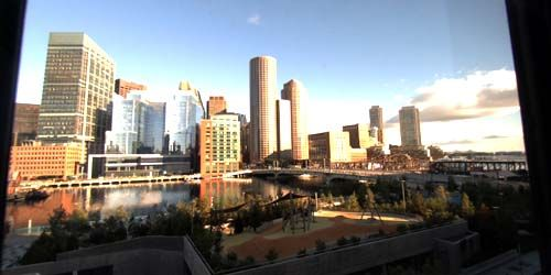 Evelyn Moukley Bridge, view of the InterContinental Hotel -  live webcam , Massachusetts Boston