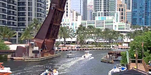 Drawbridge over the New River -  live webcam , Florida Fort Lauderdale
