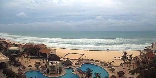Pool and beach at Grand Park Royal -  live webcam , Quintana Roo Cancun