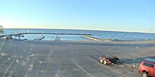 Bay Shore Park, Boat Ramp -  live webcam , Wisconsin Green Bay