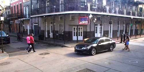 Pedestrians on the street -  live webcam , Louisiana New Orleans
