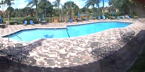Swimming pool in the residential complex of the Plantation -  live webcam , Florida Fort Lauderdale