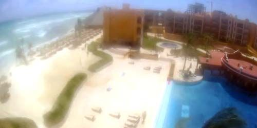 Swimming pool with beaches on the Caribbean Sea -  live webcam , Quintana Roo Playa del Carmen