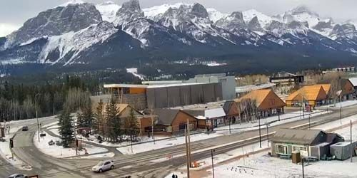 Mount Rundle -  live webcam , Alberta Canmore