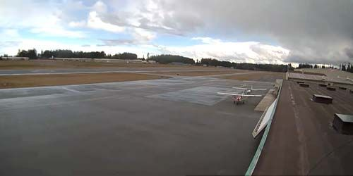 Runway at a regional airport -  live webcam , Washington Port Angeles