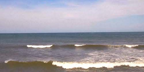 Surfers on Hatteras Island -  live webcam , North Carolina Jacksonville